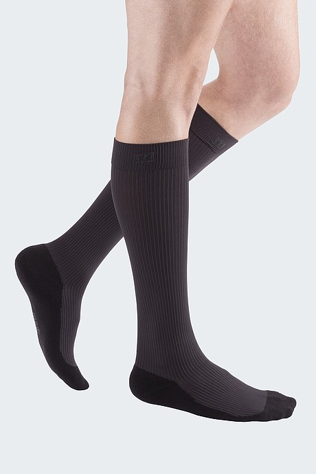 sporty compression stocking for men grey