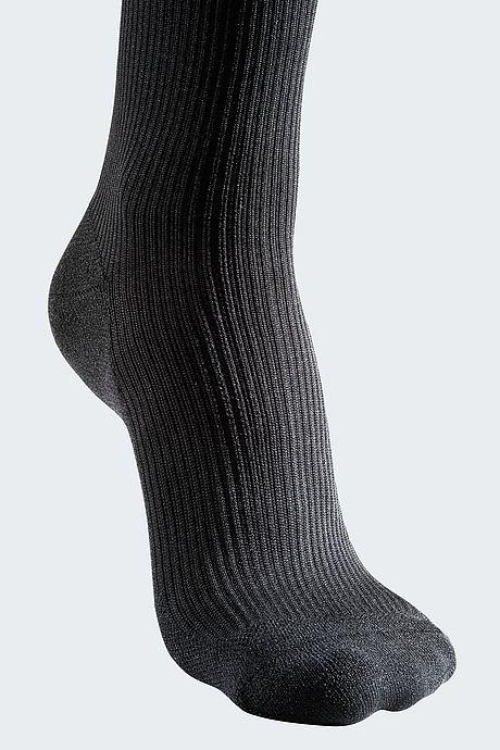 black tiptoe compression stockings for men